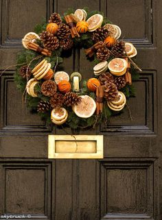 Looking for beautiful Christmas wreaths? Here, we have a good collection of some of the most beautiful Christmas wreaths ideas. Get inspiration from these Christmas wreath decoration ideas. Christmas Door, Winter Christmas, Christmas Time, Christmas Crafts, Outdoor Christmas, Christmas Ideas, Xmas Wreaths, Autumn Wreaths, Door Wreaths