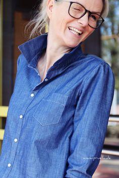 Über Jeanshemden kann man ja geteilter Meinung sein. Ein Jeanshemd kann jahrelang im Schrank hängen, irgendwann holt man es wieder raus. Sofern man es nich