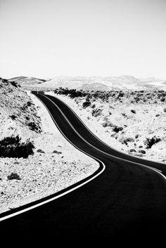 行ったことある気がする風景|白と黒の世界-Black and White-