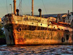 Don Fernando | Barco en precarias condiciones, en el rio en … | Fernando Reis | Flickr