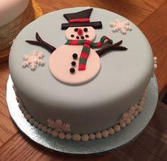 Chrismas Cake, Mini Christmas Cakes, Christmas Themed Cake, Christmas Cake Designs, Christmas Cake Topper, Christmas Cake Decorations, Christmas Sweets, Holiday Cakes, Christmas Cooking