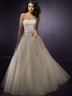 Hot sale Wholesale New Style Ivory Strapless Tube Top Organza Princess Wedding gown