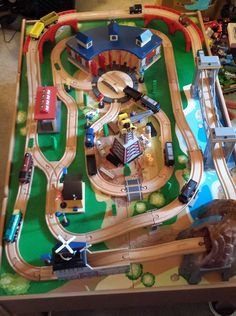 https://post.craigslist.org/k/_hvi1aNK4xGjKcc4CvZLwQ?s=preview  Selling a gently used Imaginarium train table from Toys R Us. It has two side drawers for easy storage of your other trains. It also includes instructions, complete set of tracks & complete set of accessories. Please note that the orange sign for the train station is a little out shape but usable. Also included are 11 Thomas & Friends wooden trains. Pick up on weekends only. Please email me if you have any questions.