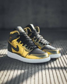 b33bbf97e5fe Nike Air Jordan 1 Retro High Youth Size 13C MULBERRY - Purple Gray ...