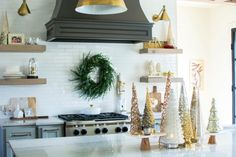 Christmas Home Tour 2017//holiday decor//holiday decorating//christmas decor//christmas decorating//holiday home tour