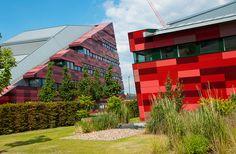 Jubilee Campus, University of Nottingham Campus University, University Of Nottingham, International Relations, Buildings, Multi Story Building, Sidewalk, Education, Green, Sidewalks