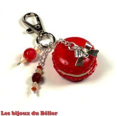 Porte clés/bijou de sac macaron vanille-fraise Fait main : Porte clés par les-bijoux-du-belier