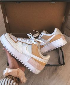 Nike Air Force 1 Shadow SE Fichten-Aura with air force ones Sneakers Fashion, Fashion Shoes, Shoes Sneakers, Fashion Outfits, Fashion Clothes, Fashion Fashion, Fashion Women, Fashion Ideas, Kicks Shoes
