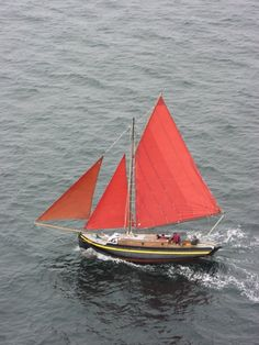 Galway Hooker for sale from Wooden Ships Yacht Brokers. Major rebuild in recent years, basic interior but a good solid boat ready to sail away Sea Fishing, Fishing Boats, Sport Fishing, Classic Sailing, Classic Boat, Sea Angling, West Coast Of Ireland, Yacht Week, Honfleur