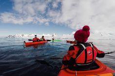 Weiß, kalt, wunderschön. Entdecke mit uns und weddingpilots.de die Antarktis! // Better keep out of the water. Discover Antarctica with us and weddingpilots.de