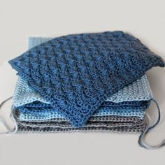 Solid Scallop: Square 5 (May) of the 2015 Afghan Sampler -- Crochet along and have a finished blanket at the end of the year!