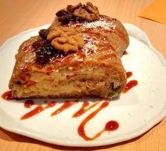 Jablečný závin s limetkovo mátovou omáčkou / Apple pie with lime mint sauce Mint Sauce, Apple Pie, French Toast, Lime, Menu, Breakfast, Desserts, Food, Menu Board Design