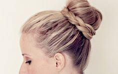Hey guys! If you're new here, my name is Abby and I own the site Twist Me Pretty, where I have over a hundred hairstyle tutorials, and a fabulous how-to book called The Ultimate Hairstyle Handbook: Everyday Hairstyles for the Everyday Girl! I am excited to announce I'm working with Ulysses Press for a second…