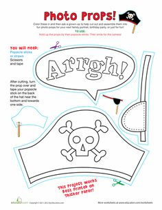 Bring out your inner pirate with these fun photo props! Whether they're for play acting or spicing up a photo shoot, your child will love coloring and making his own pirate props. Be sure to help him cut out the props and glue them on popsicle sticks. Jack Le Pirate, Pirate Day, Pirate Birthday, Preschool Pirate Theme, Pirate Activities, Pirate Photo, Photos Booth, School Information, Library Activities
