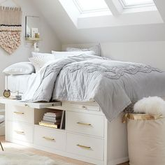 You have a nice living room but no room? And if you partition your living room to create this room you dream? How to create two separate spaces in a room without heavy work? Bedroom Decor For Teen Girls, Teen Girl Bedrooms, Bedroom Ideas, Teen Bedroom, Blush Bedroom, Comfy Bedroom, Bedroom Colors, My New Room, Dorm Room