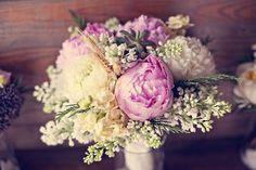 Floral Love: A Romantic Vintage Wedding