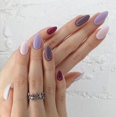 Semi-permanent varnish, false nails, patches: which manicure to choose? - My Nails Matte Almond Nails, Short Almond Nails, Short Nails, Long Nails, New Years Nail Designs, Nail Art Designs, Trendy Nails, Cute Nails, Lampe Uv Led