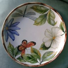 Rocio G 2016 Painted Plates, Hand Painted Ceramics, Ceramic Plates, Plates On Wall, Ceramic Pottery, Pottery Art, Decorative Plates, Pottery Painting, Ceramic Painting