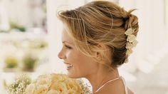 Le jour du mariage la femme doit être plus belle que jamais. Les faux pas de maquillage sont donc à bannir. Découvrez cet article pour ne pas vous tromper.
