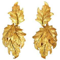 Buccellati Gold Leaf Pendant Earclips | From a unique collection of vintage clip-on earrings at https://www.1stdibs.com/jewelry/earrings/clip-on-earrings/