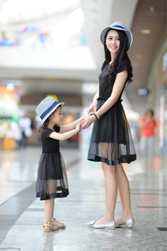 2015 Matching Mother Daughter Clothes Family Look Girl and Mother Mom and Daughter Dress Parent-child Outfit Ma e Filha Mom Daughter Matching Outfits, Mommy And Me Outfits, Matching Family Outfits, Kids Outfits, Spring Outfits, Mother Daughter Fashion, Mother Daughters, Look Girl, Mom Dress
