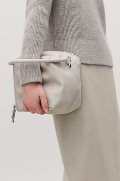 Detailed image of Cos square leather cross-body bag in grey Grey Bags, Minimalist Bag, Thing 1, Designer Wallets, Leather Crossbody Bag, Leather Handbags, Purses And Handbags, Women Accessories, Cross Body