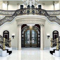 Beautiful Dreams Entryway | www.bocadolobo.com #luxuryfurniture #entranceideas #glassinspirations #chandelier