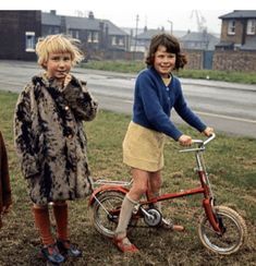 The big picture: Kids play outdoors in Stockton-on-Tees. Robin Dale's image of children enjoying themselves unsupervised recalls a lost age of freedom - The Guardian