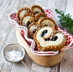finnische kekse uploaded by Ʈђἰʂ Iᵴɲ'ʈ ᙢᶓ on We Heart It I Love Food, A Food, Food And Drink, Cookies, Christmas Treats, Let Them Eat Cake, No Bake Cake, Sweet Recipes, Yummy Food