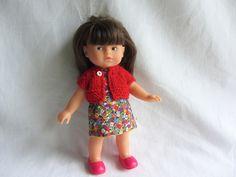 Habit de poupée : Robe fleurie et gilet rouge pour poupée corolline 20 cm