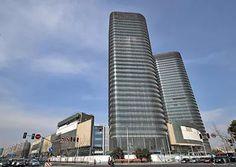 LI KA-SHING SELLS ASIA'S PRICIEST BUILDING TO CHINA LIFE-LINKED FUND FOR $2.96B