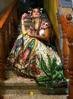 Our Lady of Guadalupe~Mexican dress Mexican American, Mexican Folk Art, Mexican Style, Mexican Fashion, Ethnic Fashion, Spanish Fashion, High Fashion, We Are The World, People Of The World