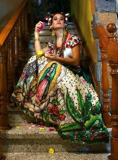 Vestido #Mexicano.  OMG--I'd KILL for this skirt!-Dyann