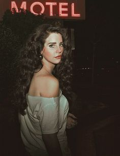 Lana Del Rey Black Curly Hair Lana del rey natural curly