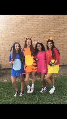 all eeyore, tiger, piglet, pooh Halloween costume Kayla Carranza - - Maske Halloween, Cute Group Halloween Costumes, Couples Halloween, Halloween Clown, Theme Halloween, Cute Costumes, Halloween Outfits, Disney Group Costumes, Halloween Ideas