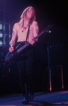 Axl + Bass