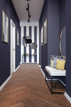 But with horizontal stripes Hot Pink Room, Interior Lighting, Interior Design Inspiration, House Colors, Foyer, Tiny House, Sweet Home, Indoor, Colours
