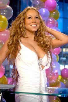 Dick Clark's New Year's Rockin' Eve 06 New York, December 2005 by jennie Mariah Carey 90s, Mariah Carey Pictures, Maria Carey, Famous Musicals, Doja Cat, Zendaya Coleman, Gorgeous Hair, Beautiful, Kylie Minogue