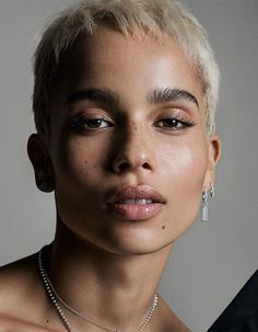 Cillechazal What do you think of this look for Zoe Kravitz? Pretty People, Beautiful People, Kreative Portraits, Natural Hair Styles, Short Hair Styles, Zoe Kravitz, Interesting Faces, Portrait Inspiration, Black Is Beautiful