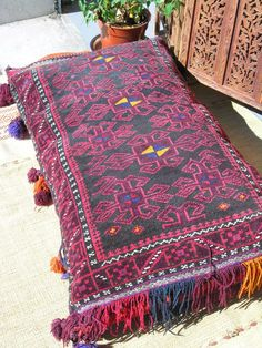 Large antique Indian floor cushion - Maroque