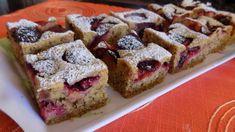 Ořechovo-krupičkový koláč se švestkami Krispie Treats, Rice Krispies, Sweet Cakes, French Toast, Muffin, Food And Drink, Cooking Recipes, Baking, Fruit