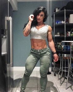 This place is feeling small, maybe I should quit working my legs? Kristina Nicole Shredded Body, Ripped Girls, Muscular Women, Bodybuilding Training, Bodybuilding Fitness, Muscle Girls, Muscle Fitness, Fit Chicks, Athletic Women