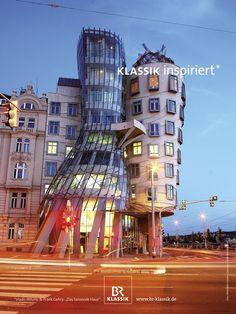 "Michael Gollong – BR-KLASSIK Imagekampagne ""Klassik inspiriert"". Anzeigenmotiv ""Vlado Milunic & Frank Gehry - Tanzendes Haus""."