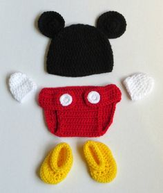 projects for kids boys MIckey Mouse inspired Crochet Photo Prop Set Crochet Baby Costumes, Crochet Baby Clothes Boy, Crochet Photo Props, Crochet Leg Warmers, Family Costumes, Crochet Stars, Newborn Crochet, Baby Hats, Newborn Hats