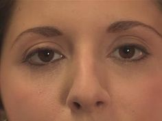 How To Apply Eyeliner For A Natural Look - YouTube