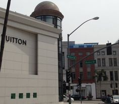 Louis Vuitton on Rodeo Drive, Beverly Hills. | Yelp  http://glitteratitours.com