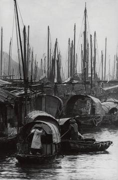 Aberdeen, city of junks and sampans. F.C. Gundlach. Hong Kong 1961.