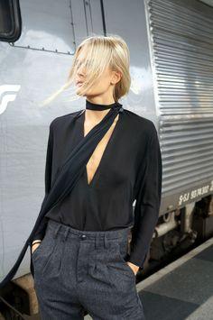 Skinny-Scarf-Street-Style-TableForTweed-19