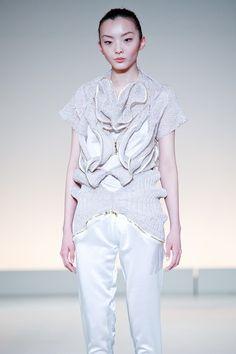 Chueh Lu-Fong 'Distortion-cover' F/W 2011