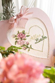 Ein Herz für ( mit ) Rosen ... Design : Gerlinde Gebert Shop: www.gebert-handarbeiten.de
